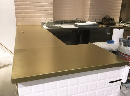 fornitura del banco bar e il laboratorio di pasticceria per il bar caffetteria riceteria by rice di milano